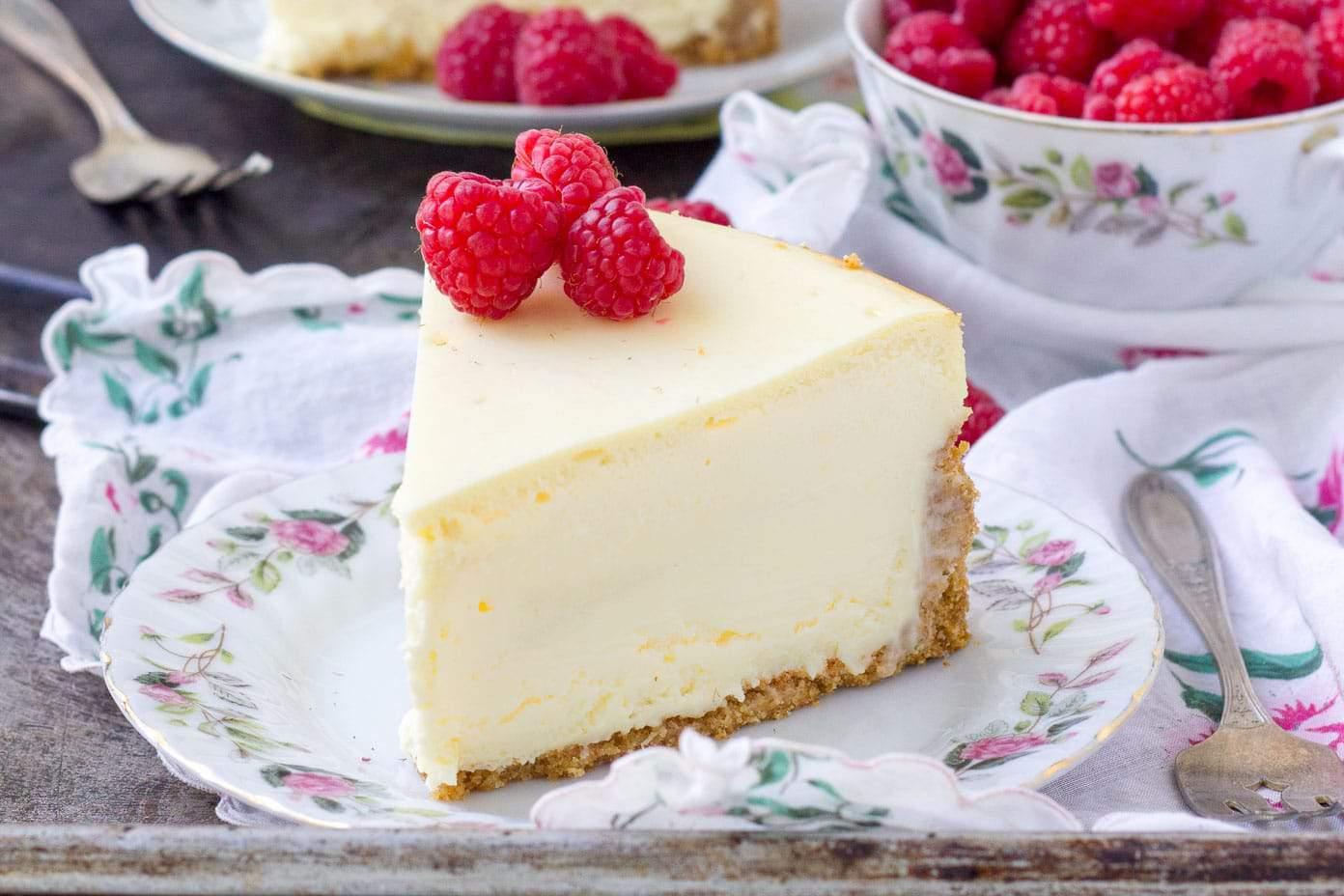 best new york cheesecake creamiest cheesecake baker bettie. Black Bedroom Furniture Sets. Home Design Ideas